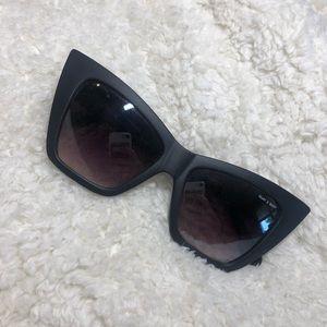 Brand new QUAY vesper black sunglasses